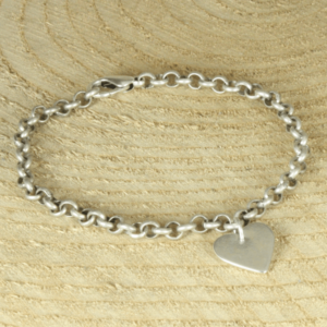 silverplated jasseronarmband met hartje