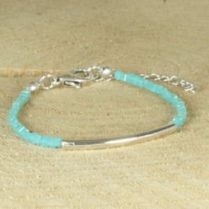 turquoise kralenarmband met buisje